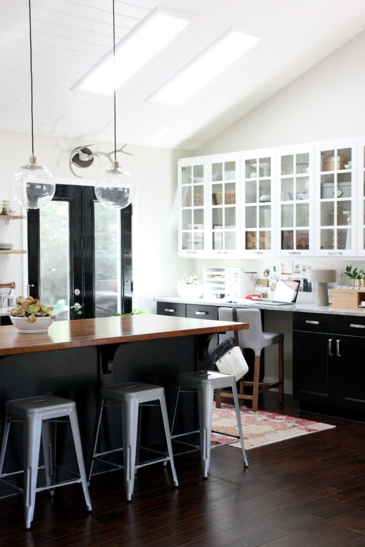 Dana-Miller-House-Tweaking-Kitchen-Remodelista-10-733x1100